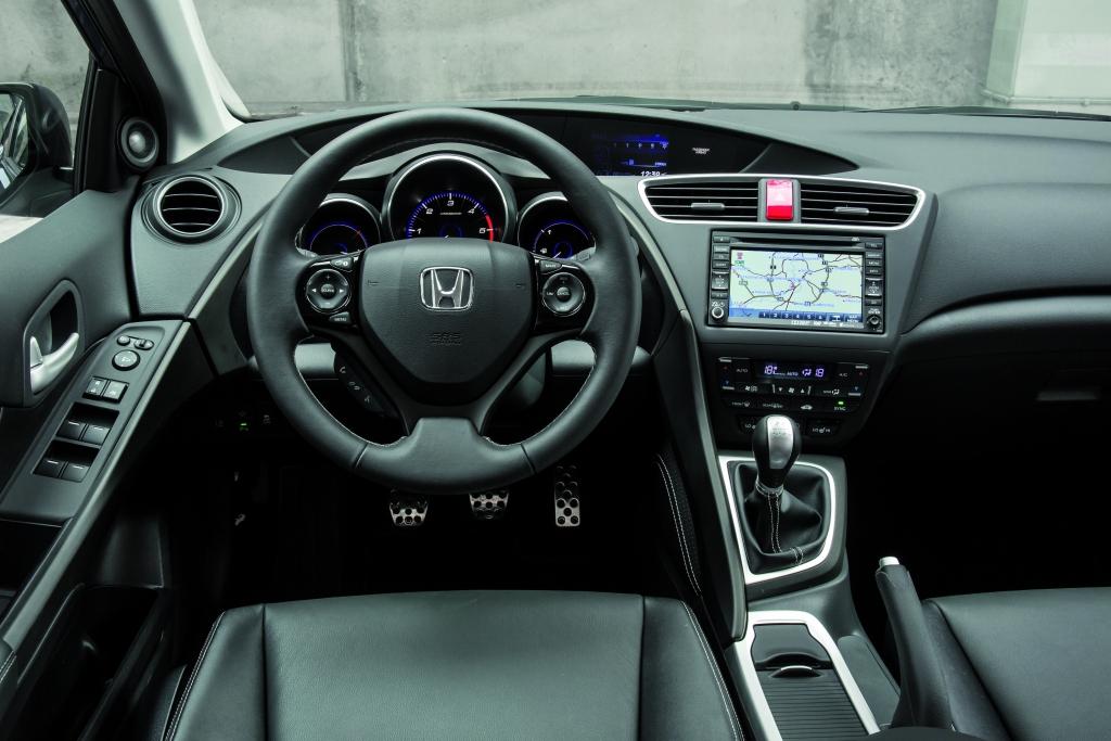 Honda Civic Tourer  - Auf die Klappe, Koffer laden und kraftvoll los
