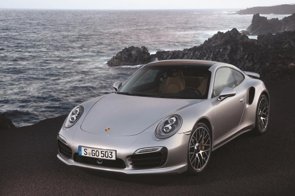 Im Jahr des 50-Jährigen 911-Jubiläums beschenkte Porsche sich und seine Fans mit der mittlerweile siebten Generation des 911 Turbo