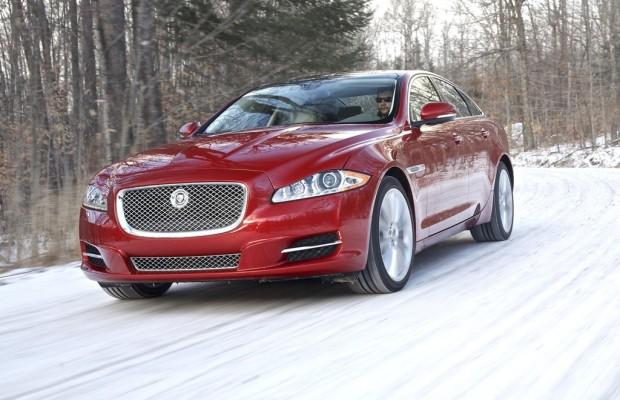 Jaguar und Land Rover bieten Winterfahrtraining