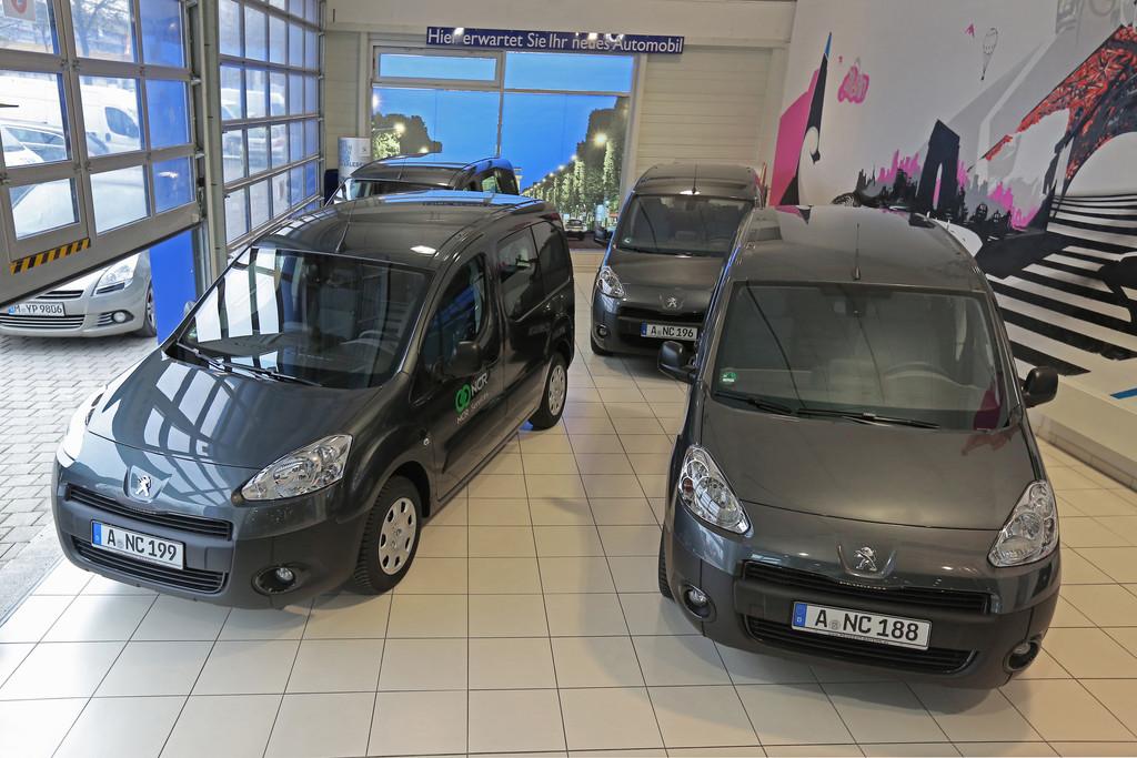 Peugeot liefert 65 Partner an NCR