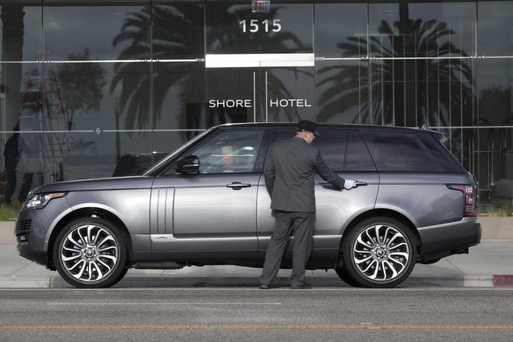 Range Rover LWB - Hinterbänkler auf dem Hochsitz