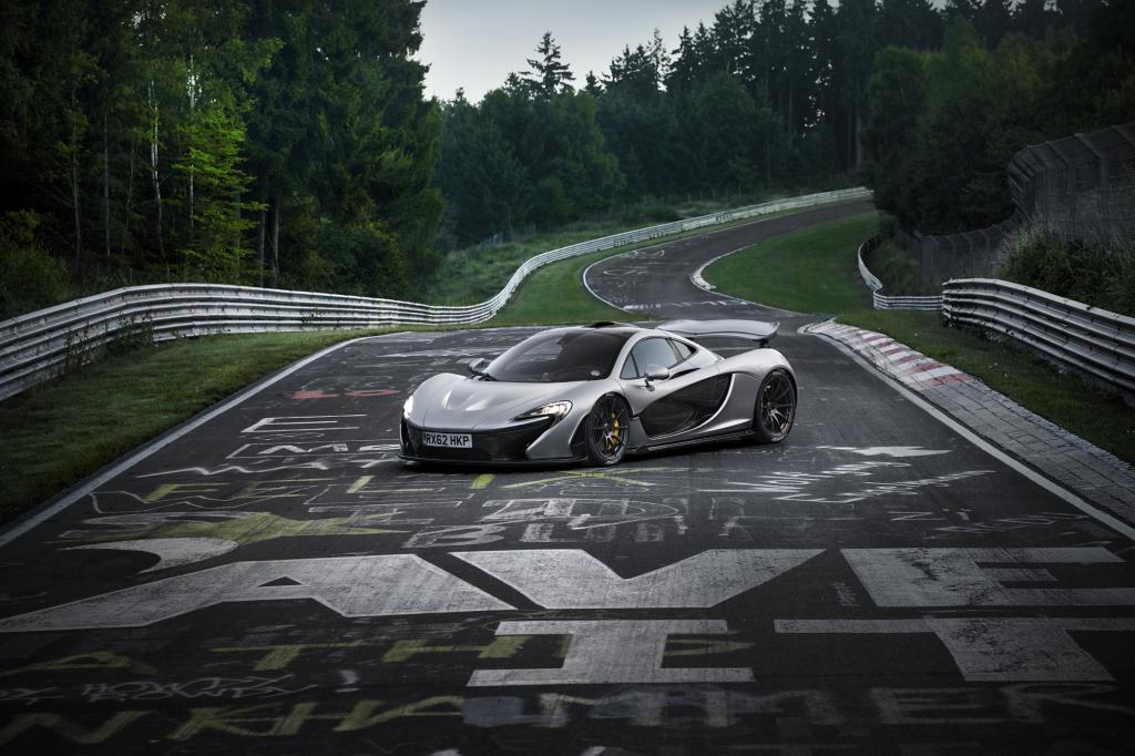 Rekordverdächtig schnell umrundete der Supersportwagen McLaren P1 die Nordschleife des Nürburgrings