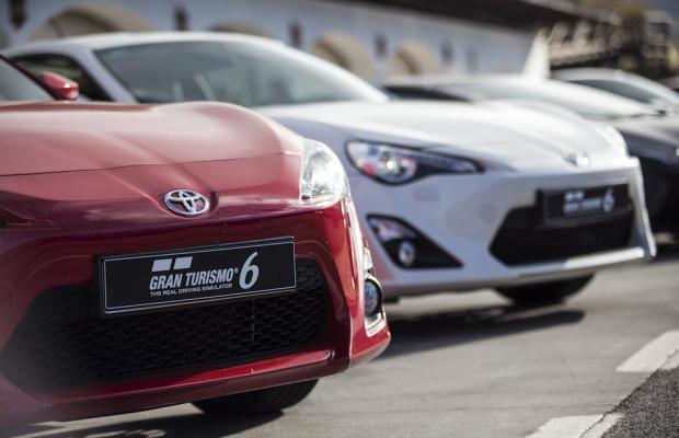Rennsimulation und Praxis mit Toyota GT86