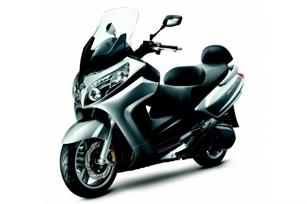 Roller und 125er Motorräder 2014 (Teil 2 von 2) - © Sanyang