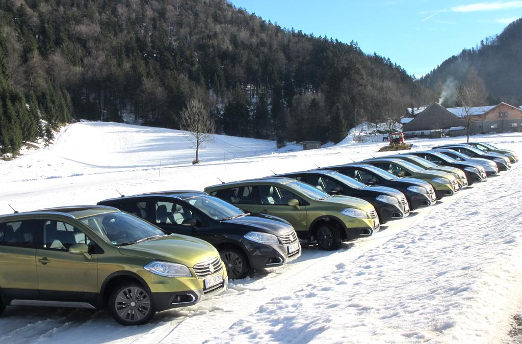 SX4-S-Cross-Flotte bei der Suzuki-Xpedition 2013 in Großarl in Österreich.
