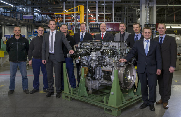 Serienstart für neuen Lkw-Motor von Mercedes-Benz