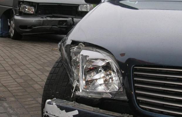 Sturz bei Schadens-Begutachtung nach Verkehrsunfall