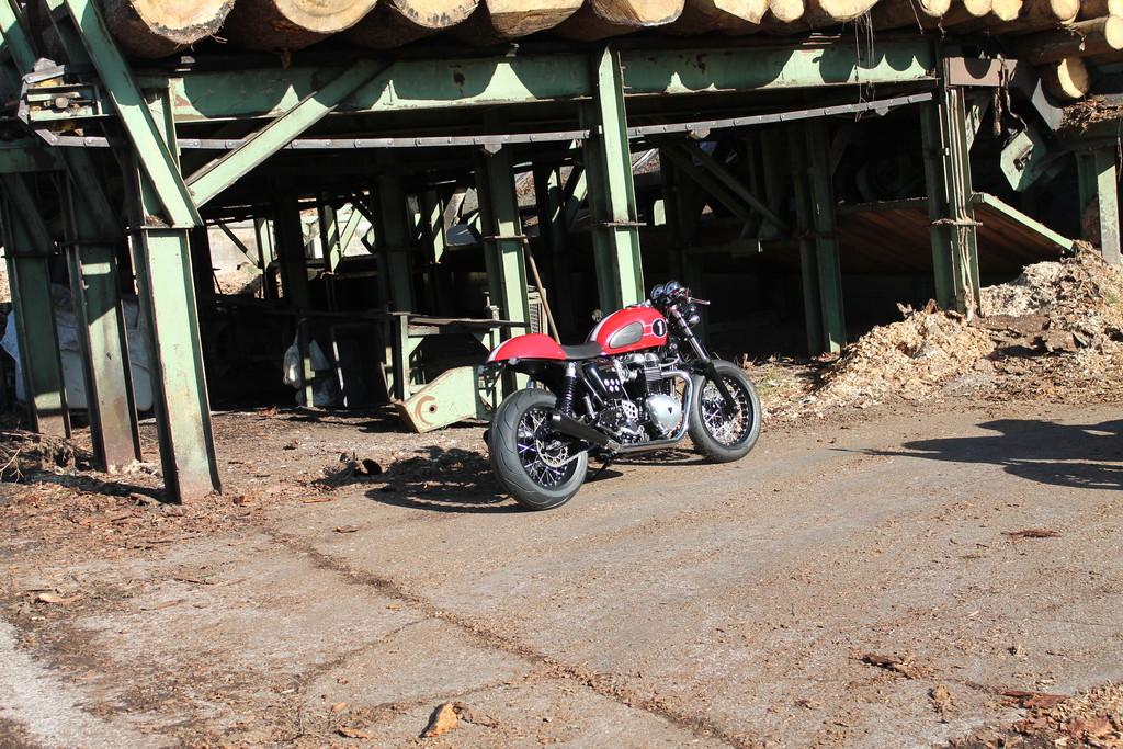 Triumph mit sechs Custombikes in Bald Salzuflen