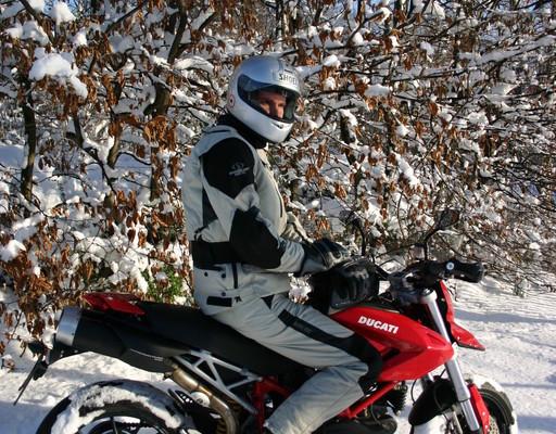 Winterreifenpflicht gilt auch für Krafträder