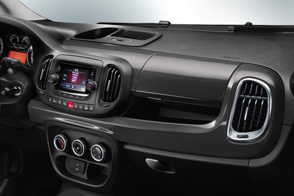 Armaturenbrett, Schalter und Knöpfe kennt man aus anderen Fiat-Modellen