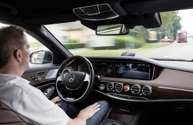 Autonome Autos fahren ohne Unfälle