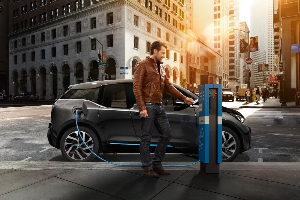 BMW Elektro-Ladenetzwerk teuer