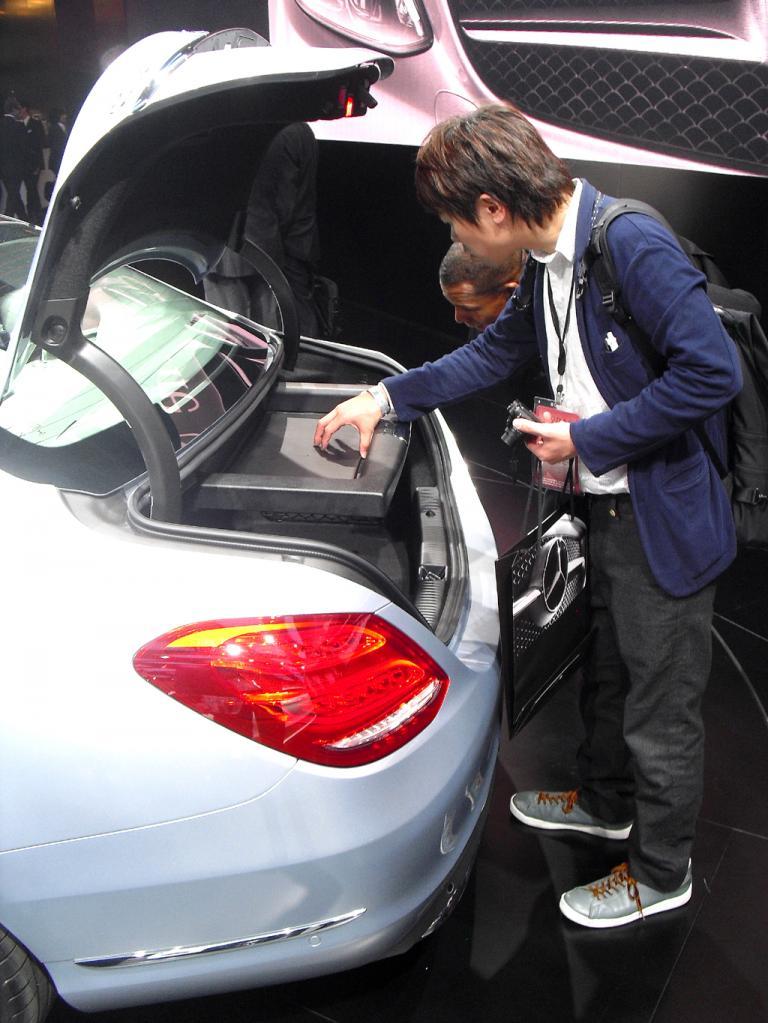 Das Interesse an deutschen Produkten, hier an der neuen Mercedes-C-Klasse, ist groß.