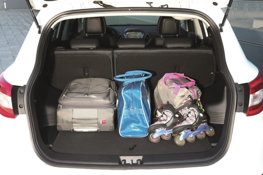 Das Platzangebot ist mehr als ordentlich, das Kofferraumvolumen (591 bis 1.436 Liter) erlaubt größere Einkaufs- und Beladungsaktionen.