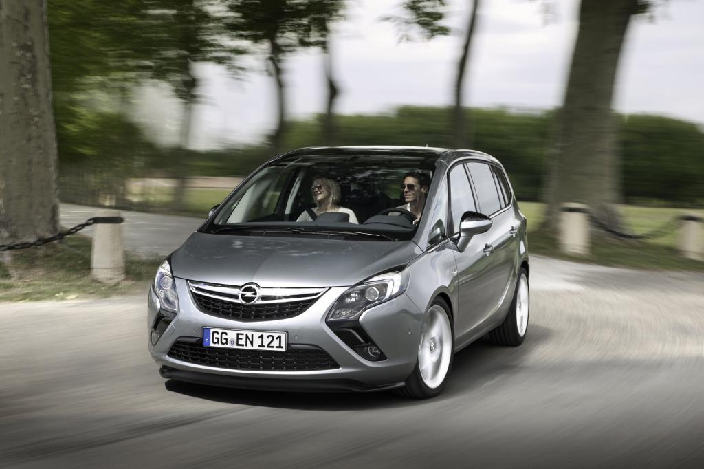 Der Opel Zafira Tourer ist noch einmal deutlich komfortabler als der Vorgänger - © Opel