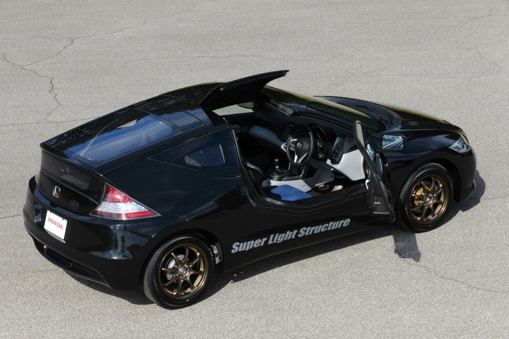 Der Prototyp auf CR-Z-Basis wiegt nur 800 Kilogramm