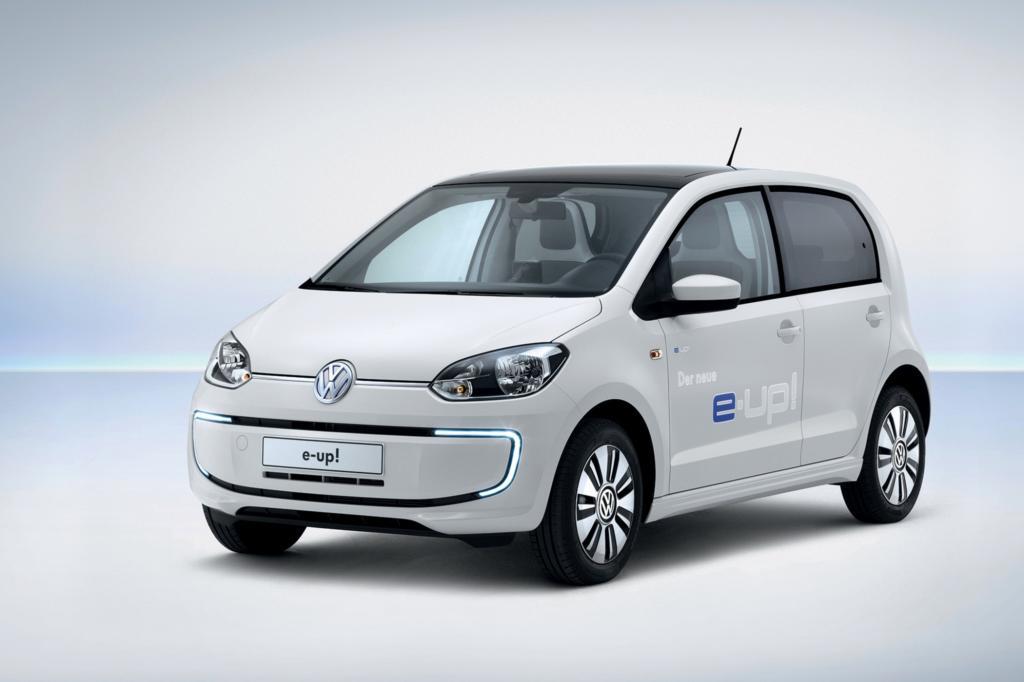 Die Elektro-Version des Kleinstwagens VW Up kommt inklusive Batterie und kostet 26.900 Euro - © VW