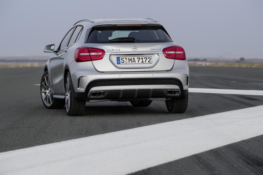 Die Topversion übernimmt den 265 kW/360 PS starken Vierzylinder-Turbomotor aus der AMG-Variante der A-Klasse