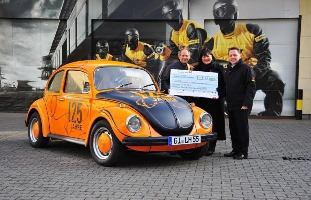 Dunlop stiftet Käfer für Spendenaktion