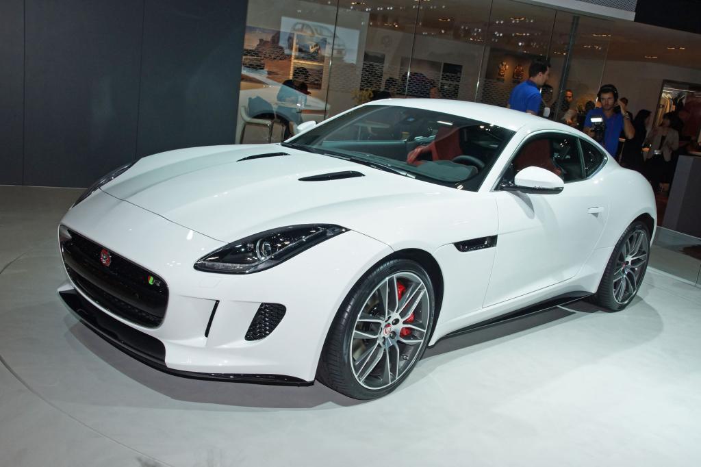 FOto: Jaguar Das F-Type Cabrio hat schon (Fahr-) Spaß gemacht, das Coupé mit seiner steiferen Karosserie und dem reduzierten Gewicht verspricht noch mehr