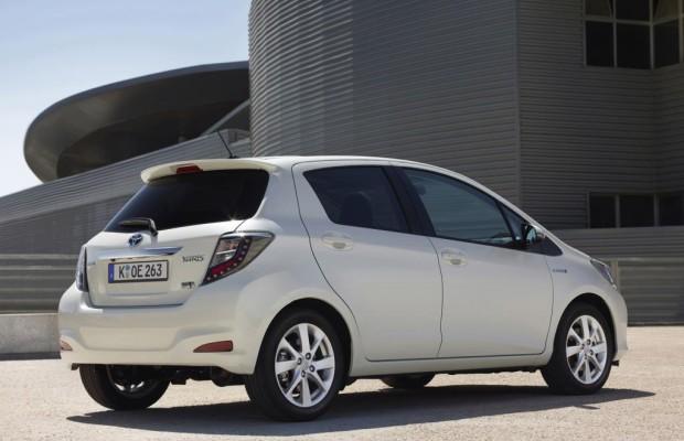 Fahrzeugbestand: Hybrid-Pkw überholen Erdgasautos