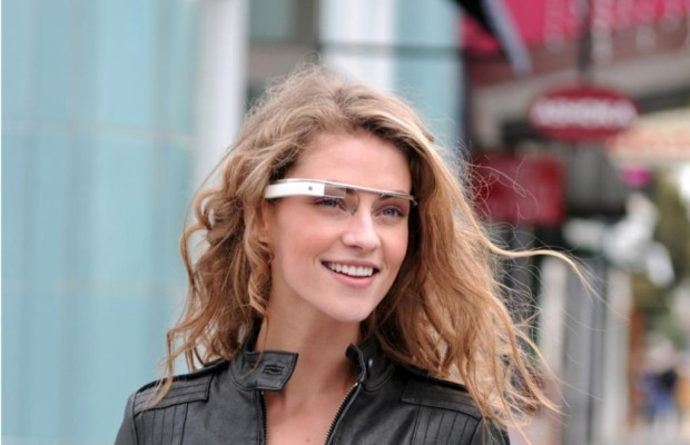 Google Glass im Auto - Hightech-Brille am Steuer