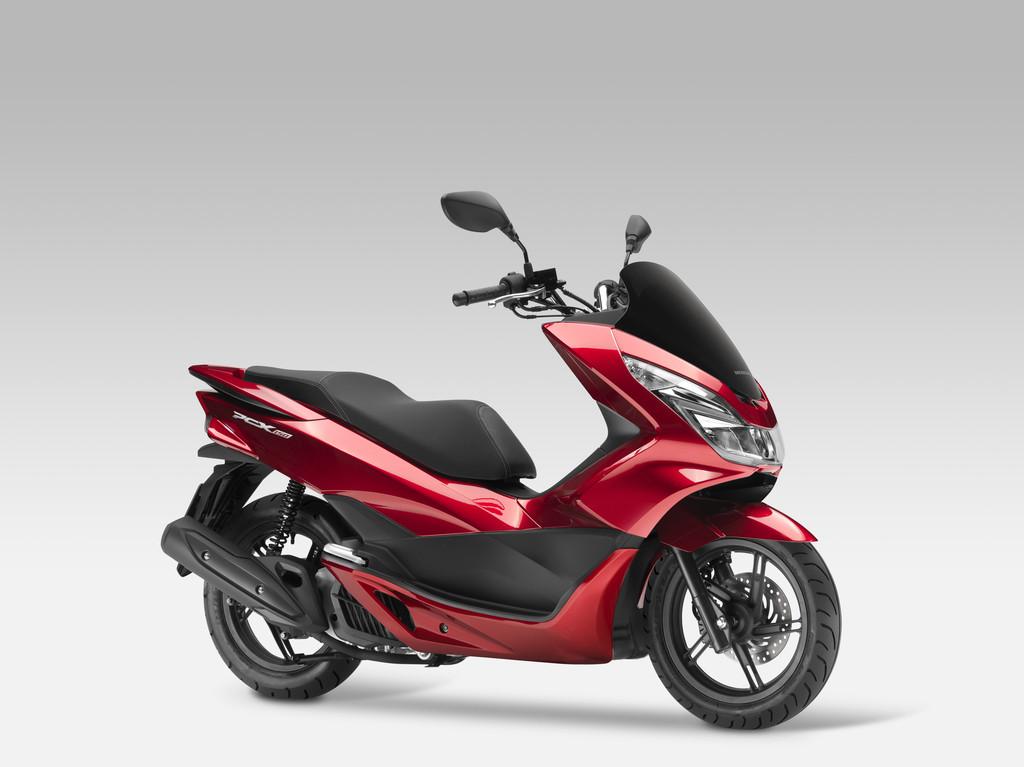 Honda PCX 125 schafft ab Mai über 370 Kilometer
