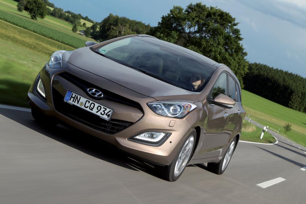 Hyundai i30 Kombi blue 1.6 CRDI: Sparsam und geräumig