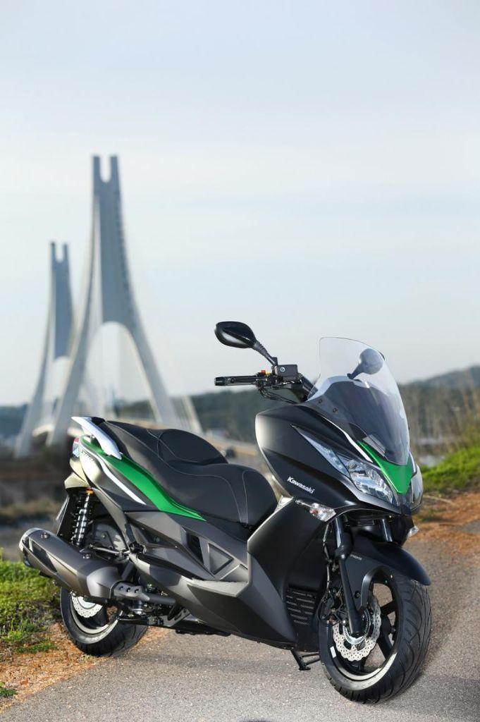 Kawasaki J300 als Roller-Neuling
