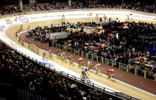 Kia sponsert Sechs-Tage-Rennen und Weltmeister Vivien Brisse