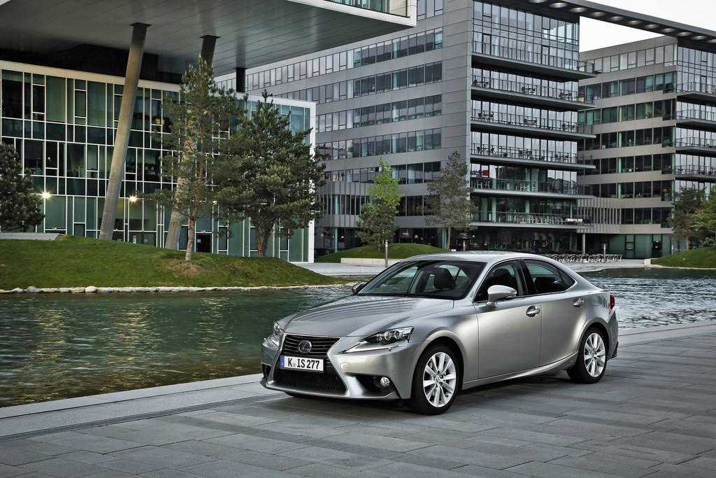 Lexus IS 300h gewinnt Verbrauchstest