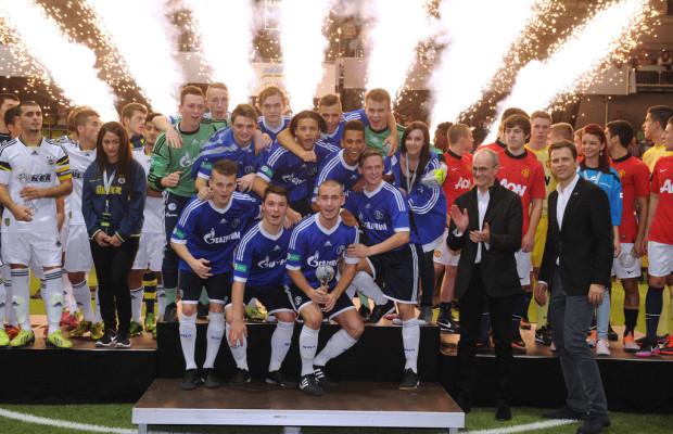 Mercedes-Benz-Junior-Cup: Schalke verteidigt Titel