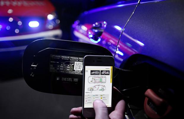 Mercedes-Benz und Smart serienmäßig mit QR-Code