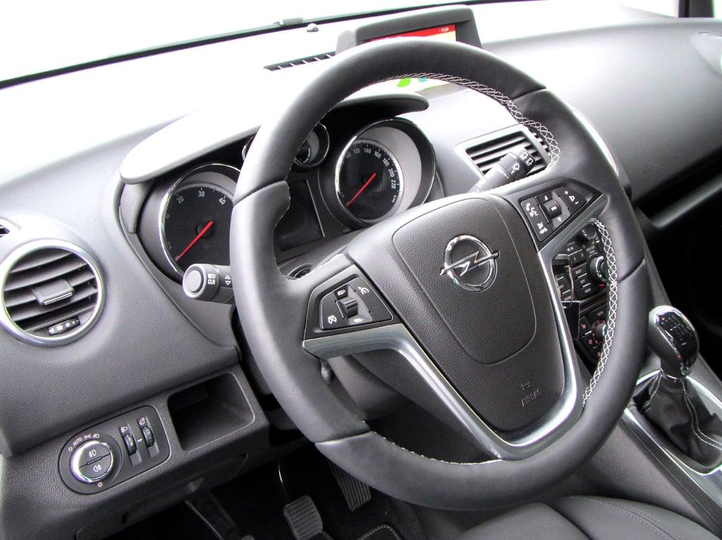 Opel Meriva: Blick ins Cockpit.