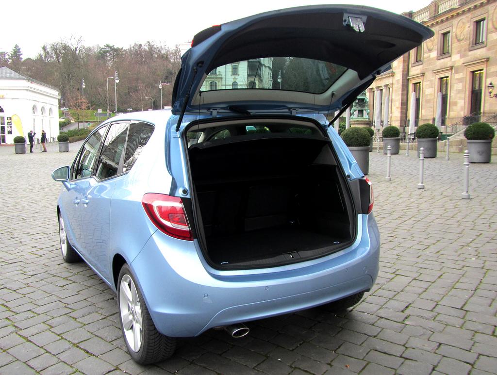 Opel Meriva: Das Gepäckabteil fasst bemerkenswerte 400 bis 1500 Liter.