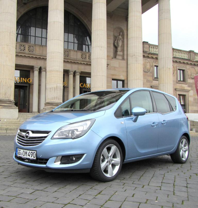 Opel hat seinen Minivan Meriva modellgepflegt.