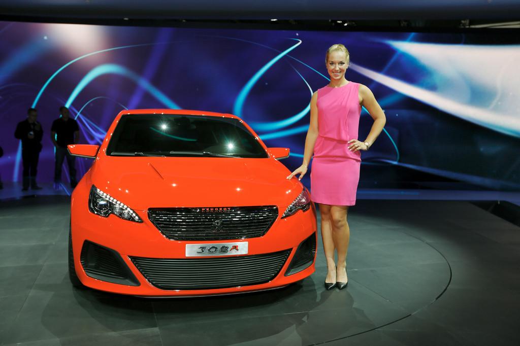 Peugeot-Markenbotschafterin Sabine Lisicki.
