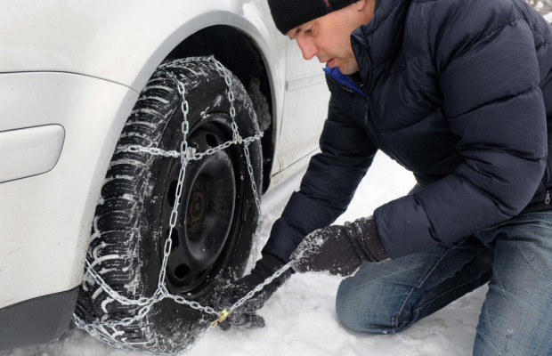 Ratgeber: Manchmal helfen nur noch Schneeketten weiter