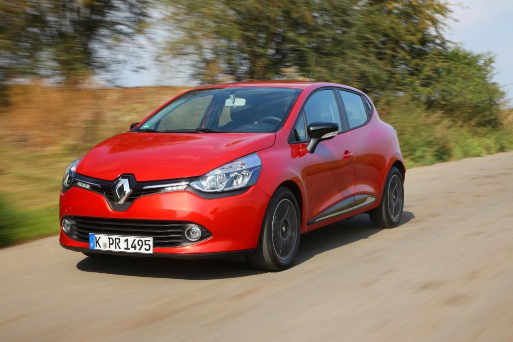 Renault bei Importeuren und E-Mobilen vorn