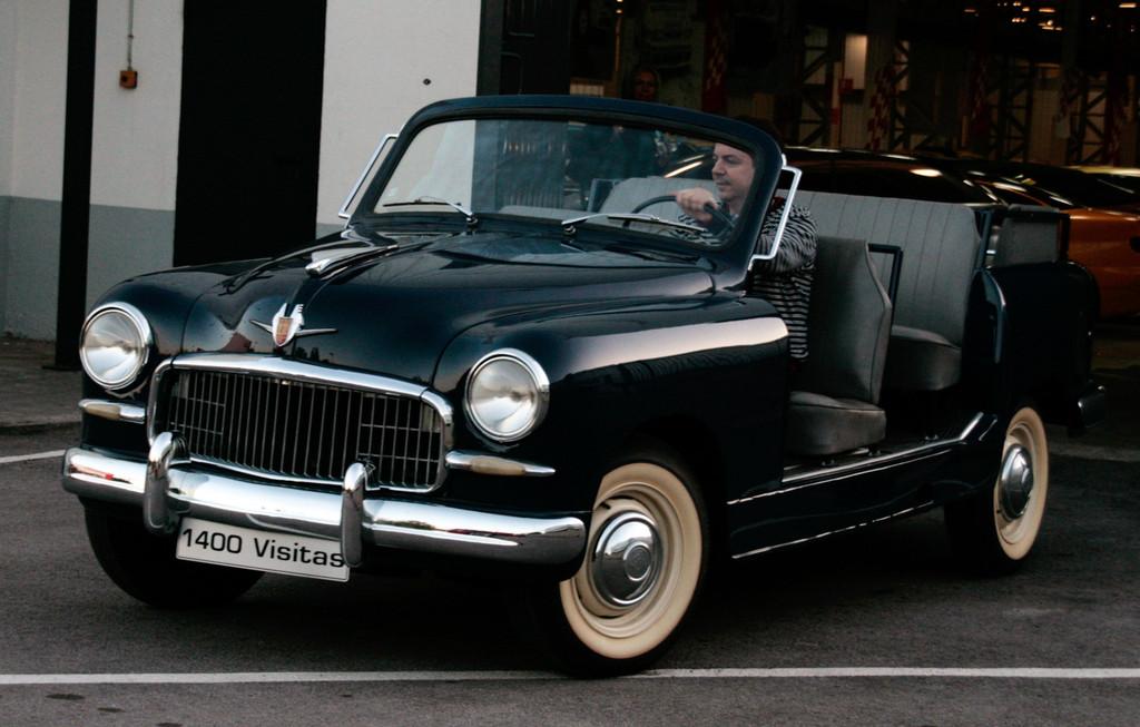 Seat 1400 Visitas: Isidre López Badenas im Franco-Cabrio.