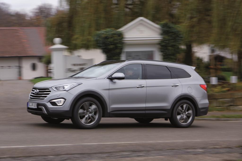 Seit kurzem ist auch der Hyundai Santa Fe als Siebensitzer zu haben - © Hyundai