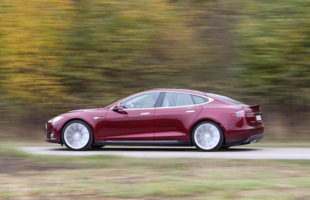 Tesla Model S: Sicherheitsaktion aus der Ferne