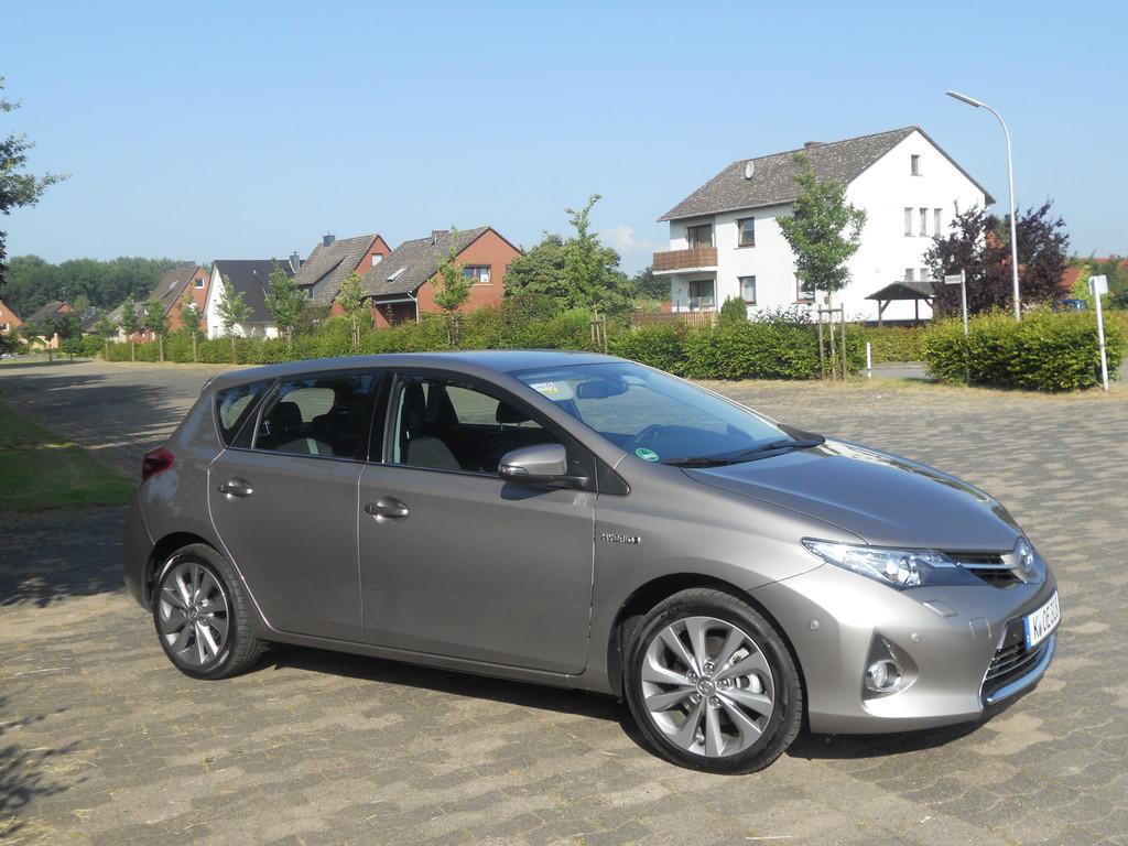 Toyota Auris Hybrid - Foto: Auto-Medienportal.Net