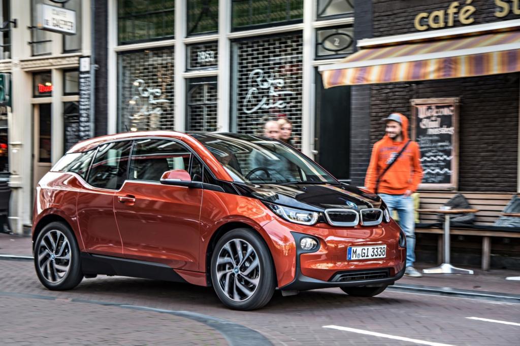 Viele Hoffnungen ruhen auf dem Elektro-Projekt von BMW, der Kleinwagen i3 kostet ab 34.950 Euro - © BMW