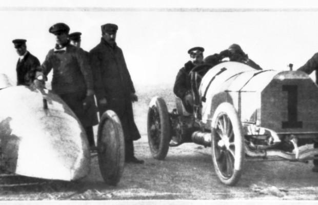 Vor 110 Jahren: William Vanderbilt fährt im Mercedes Weltrekord