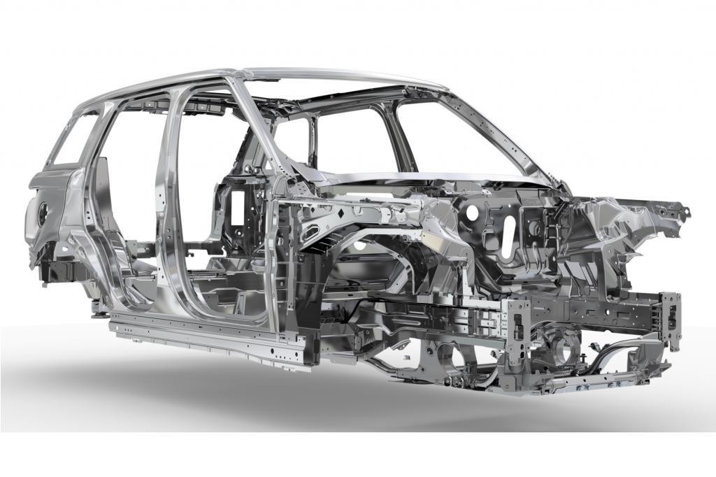 Vor allem die Karosserie bot reichlich Möglichkeiten zur Gewichtsreduzierung. Bestand sie vorher aus Stahl, kommt nun Aluminium zum Einsatz -  © Land Rover