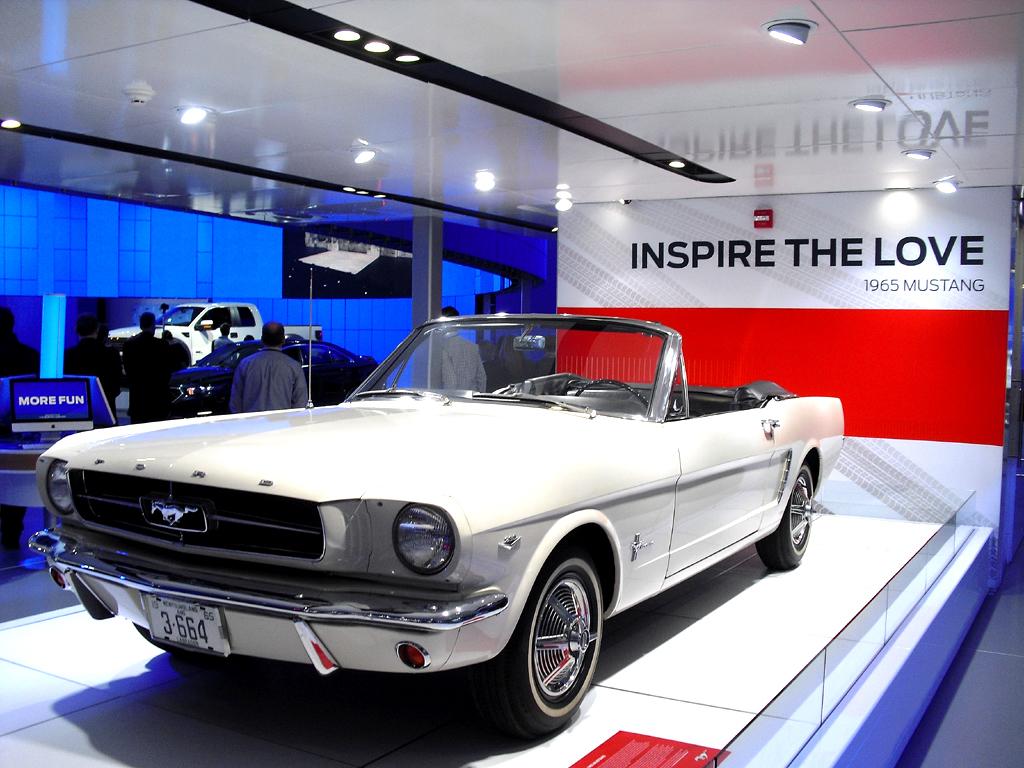 Was für Autos! So sieht Fords offene Mustang-Version aus dem Jahr 1965 aus.