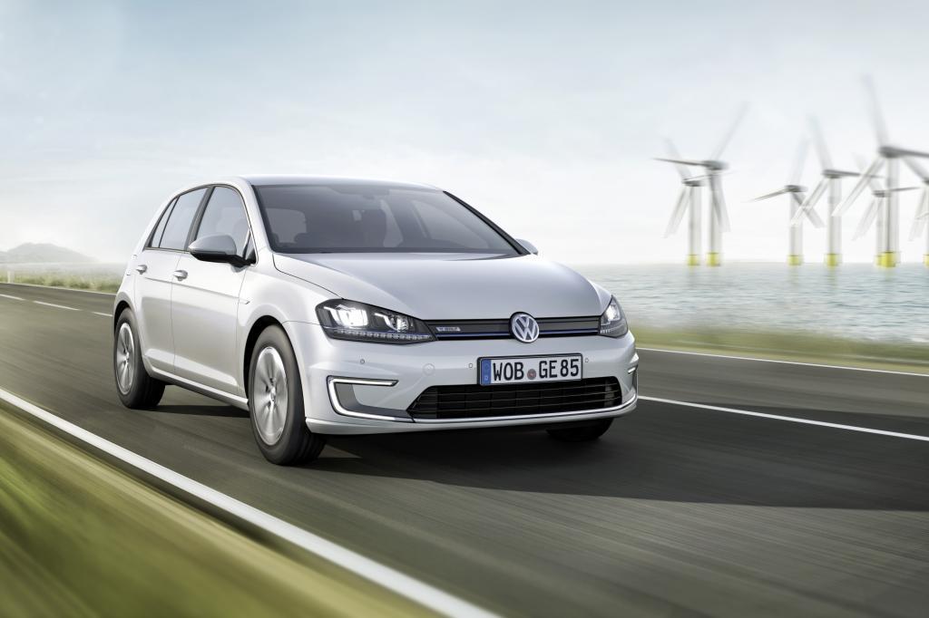 Wer noch ein paar Wochen warten kann mit der Umsetzung der guten Vorsätze, für den kommt auch der E-Golf in Frage - © VW