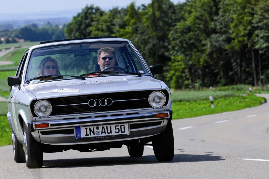 152 km/h Spitze genügten dem Audi 50 GL, um sogar Sportcoupés wie Ford Capri, Opel Manta oder VW Scirocco auf Distanz zu halten