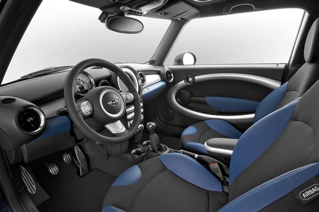 Auch dank höherer und längerer Motorhaube für einen besseren Fußgängerschutz schnitt der Mini 2007 beim EuroNCAP-Crashtest mit vollen fünf Sternen gut ab